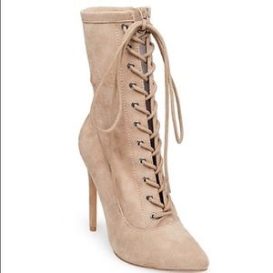 Steve Madden Satisfied in Taupe